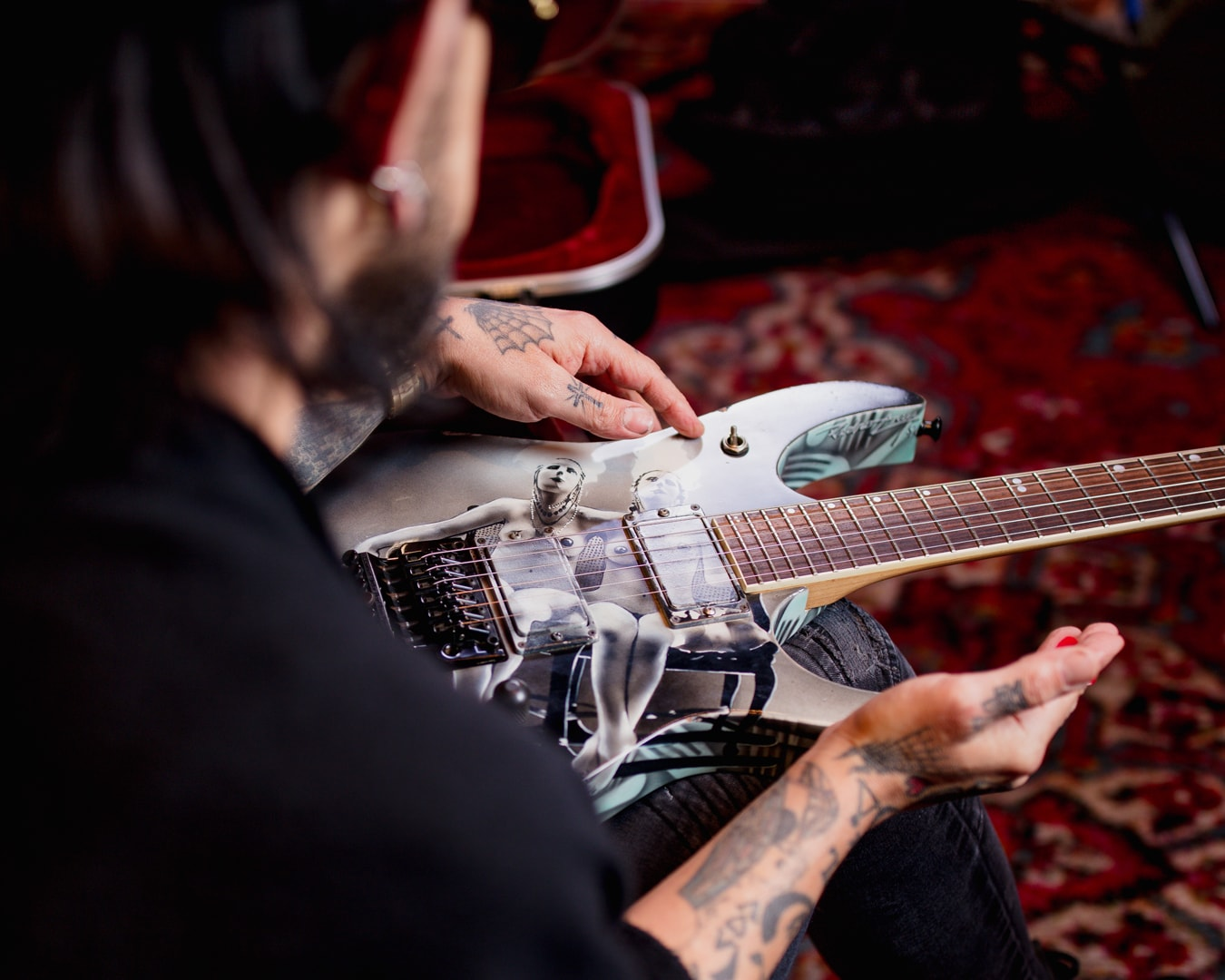 Dave Navarro Admires His Custom Nothing's Shocking Ibanez