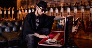 Reunited: Dave Navarro's 'Nothing's Shocking' Ibanez Guitar