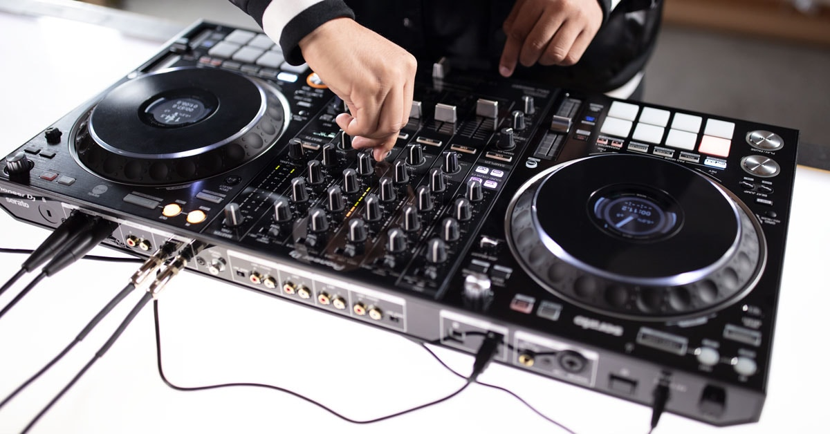 DJ Nitrane Reviews the Pioneer DJ DDJ-1000SRT with Serato DJ Pro