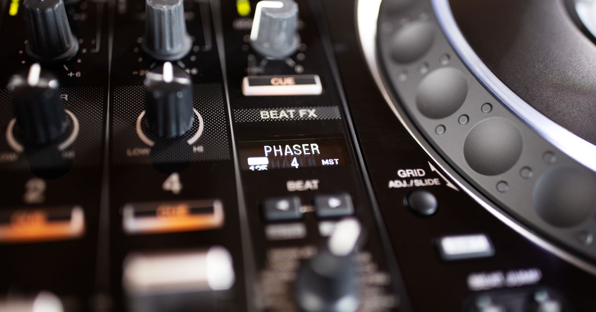 The effects section of the Pioneer DJ DDJ-1000SRT