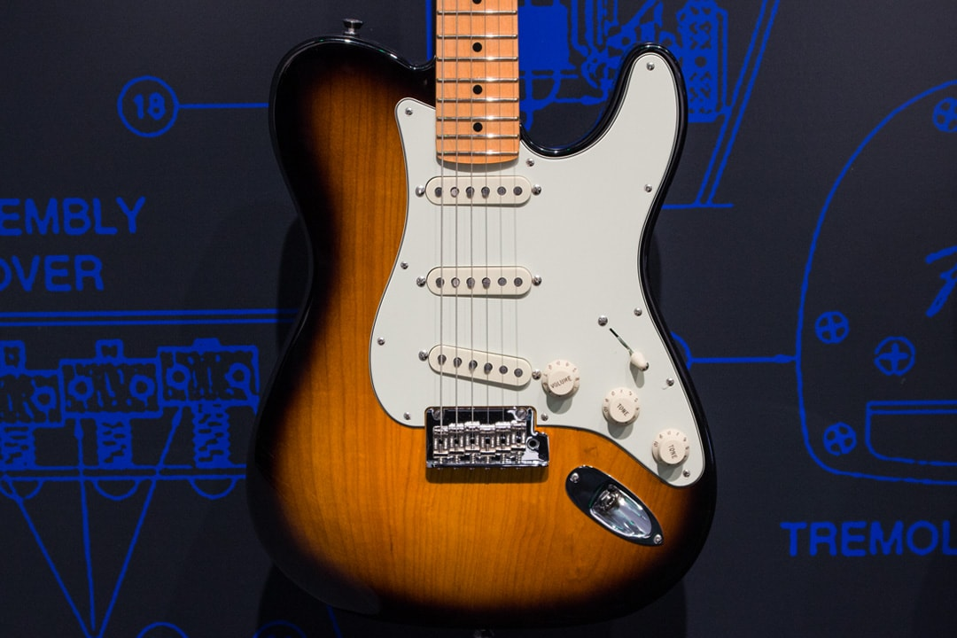 Fender Strat-Tele Hybrid 2018 Limited Edition