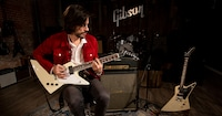 Gibson 70s Flying V and Explorer | Brian Bell (Weezer) & Sam Plecker (Vista Kicks)