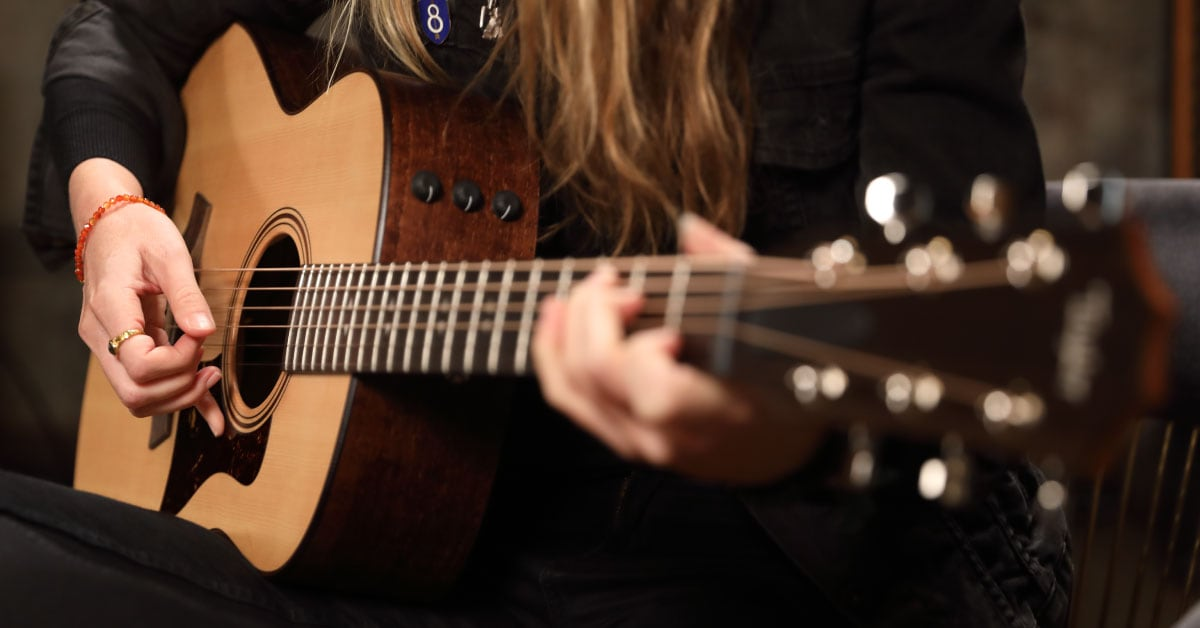 Taylor GT Urban Ash Acoustic Guitars | Beatie Wolfe First Impressions