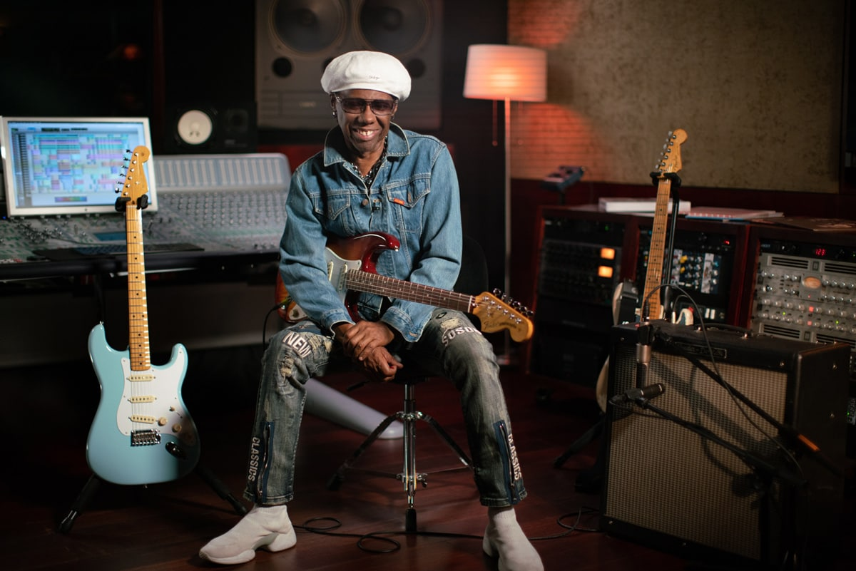 Nile Rodgers flanked by Fender's Vintera Straocasters