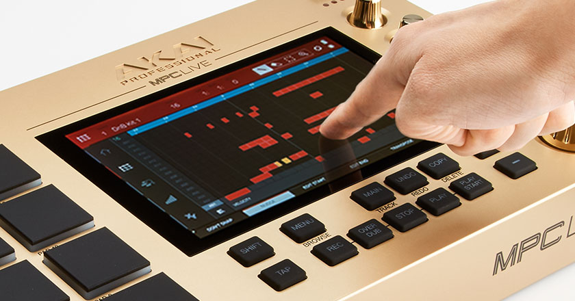 7-inch graphic touchscreen of the MPC Live Gold