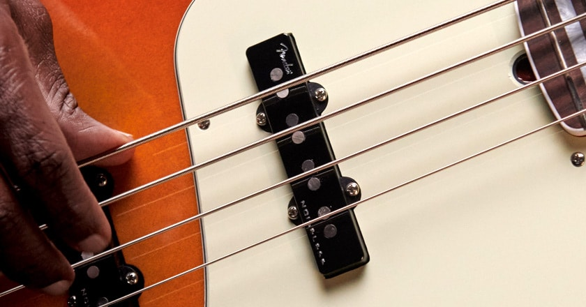 American Ultra Jazz Bass hum-free pickups