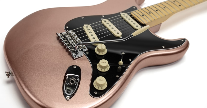 Fender American Performer Stratocaster contours