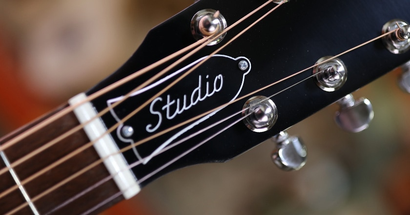Headstock view of L-00 Studio, Mini nickel Grover Rotomatics