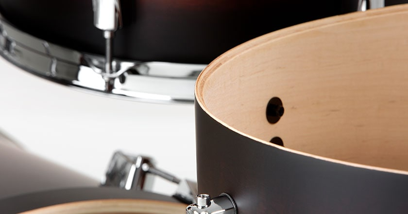 Pearl Decade Maple drum shell made from 6 plies of select maple, formed with proprietary Superior Shell Technology and adhered with AcoustiGlue